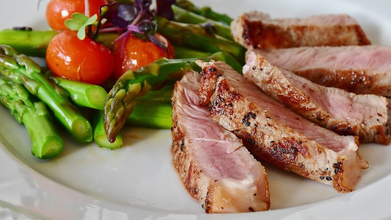 Enjoy quality meats at the Restaurante Gourmet Natural