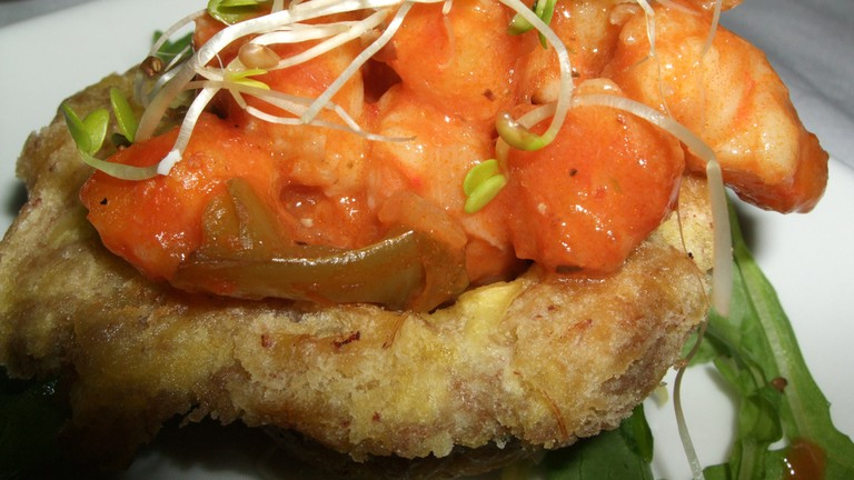 Sandwich made with tostones