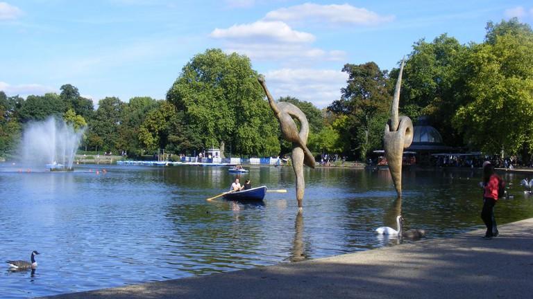 Victoria Park, London, Grove Road