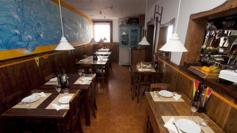 Interior of Tasca da Boa Viagem