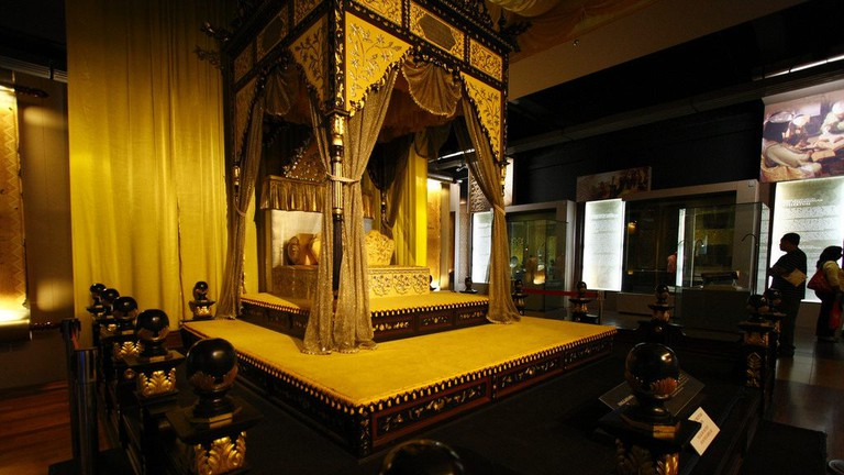 Perak's royal throne