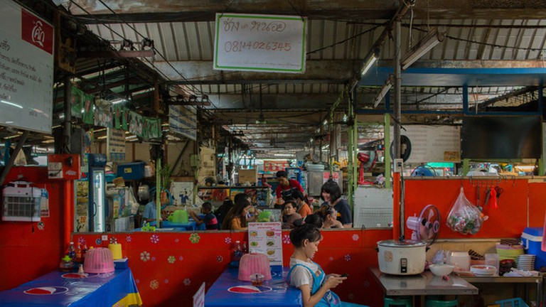 Khlongsan - a local's market with a local feel