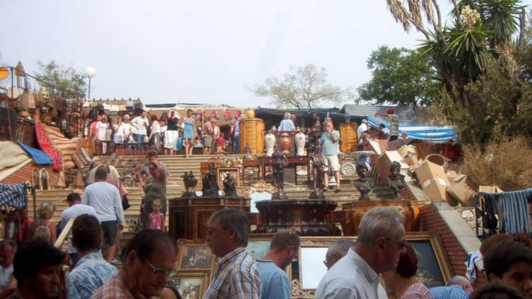 The Saturday morning flea market in Puerto Banús; R-E-A-L/Commons Wikimedia