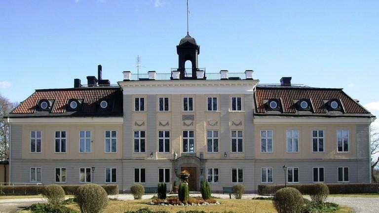 Soderstuna Slott is beautiful