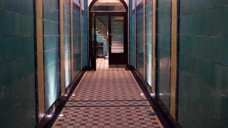Hotel Moreno lobby