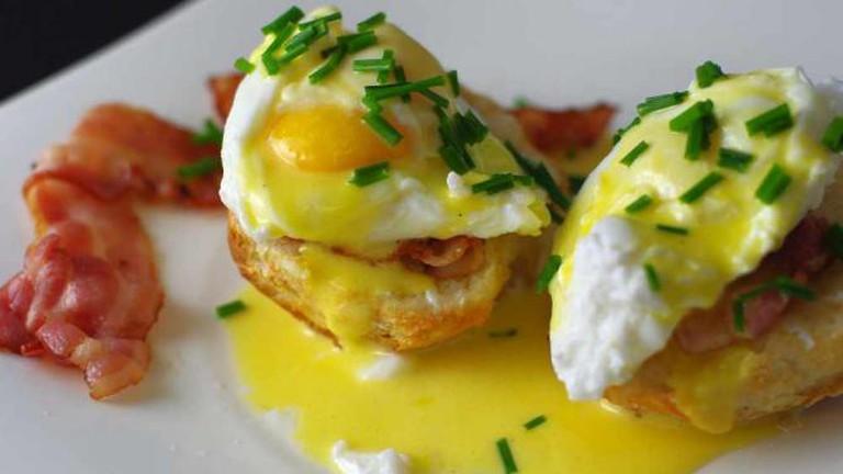 Eggs Benedic