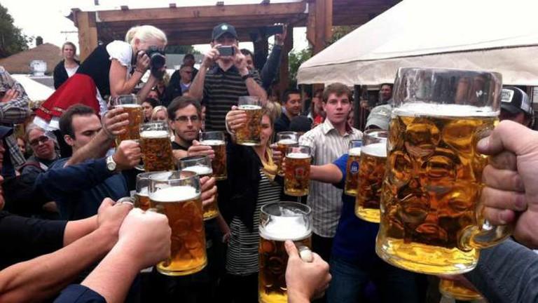 Strong Arm Contest @ Oktoberfest, Prost