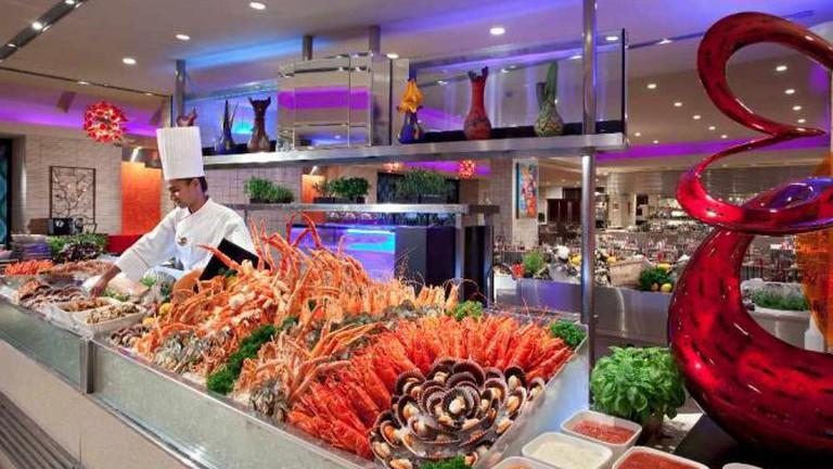 The buffet in Carousel