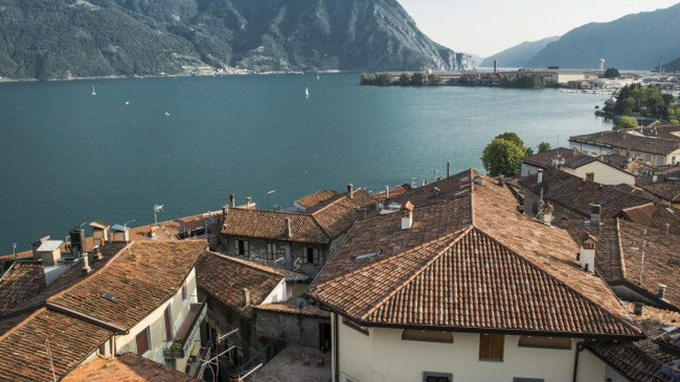 Lovere looking over Lake Iseo