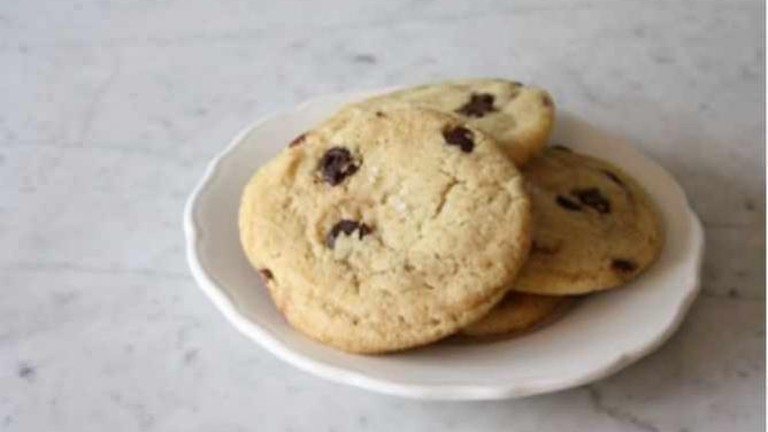 Vegan Salted Chocolate Chip Cookie