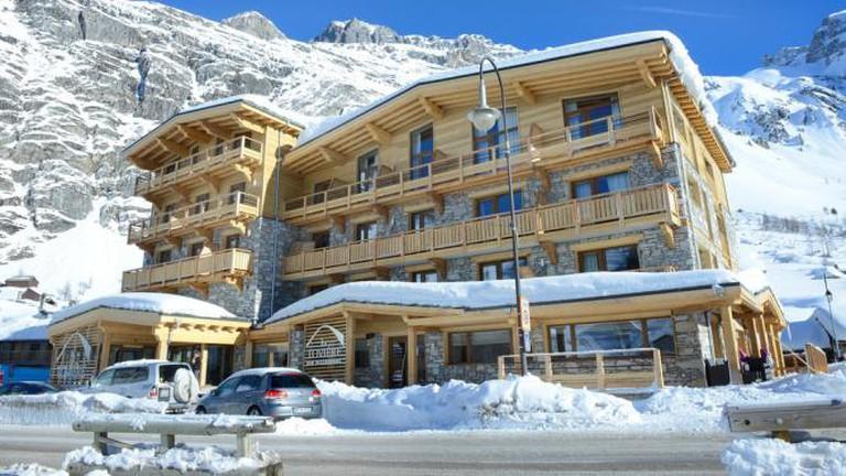 Hotel exterior, Hôtel la Tovière