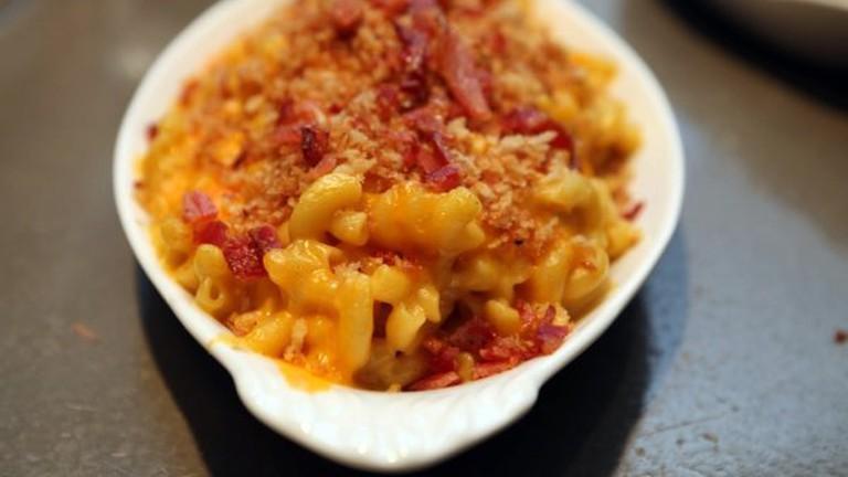 Bacon macaroni and cheese