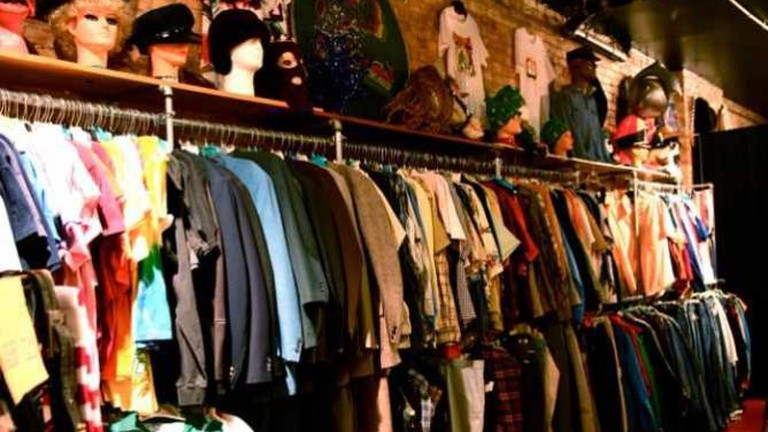 Vintage Indie Used Clothing Scavenger Hunt Shopping 12-8-08 1