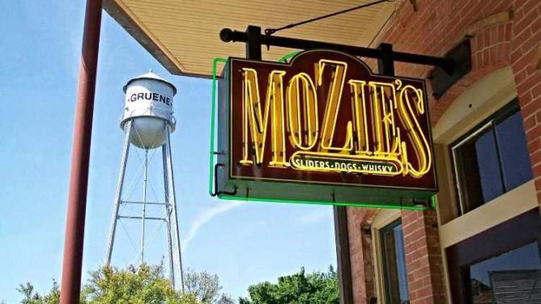 Mozie's
