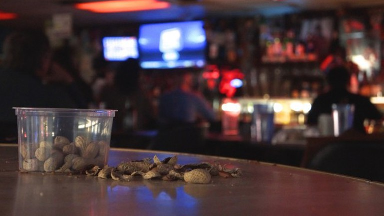 The Nut House serves unlimited free peanuts