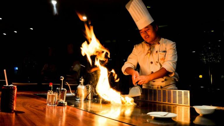Social Fire on Teppanyaki Table