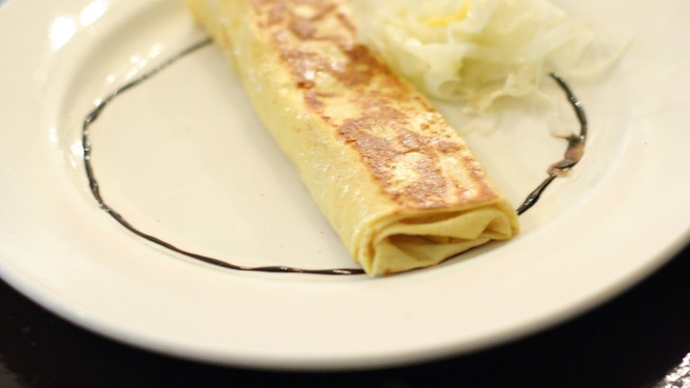 crepe with brie cheese