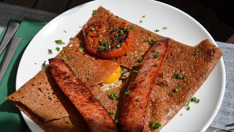 Galette œuf saucisse