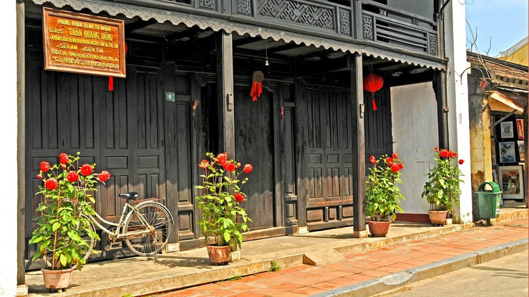 Phung Hung Old House   © Dennis Jarvis/Flickr