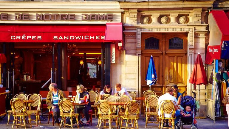 Café on Île de la Cité