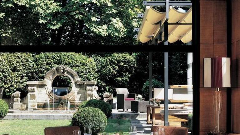 56-3733531-principe-di-savoia-hotel-milano