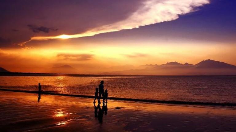 56-3932179-sunset-165077-1280