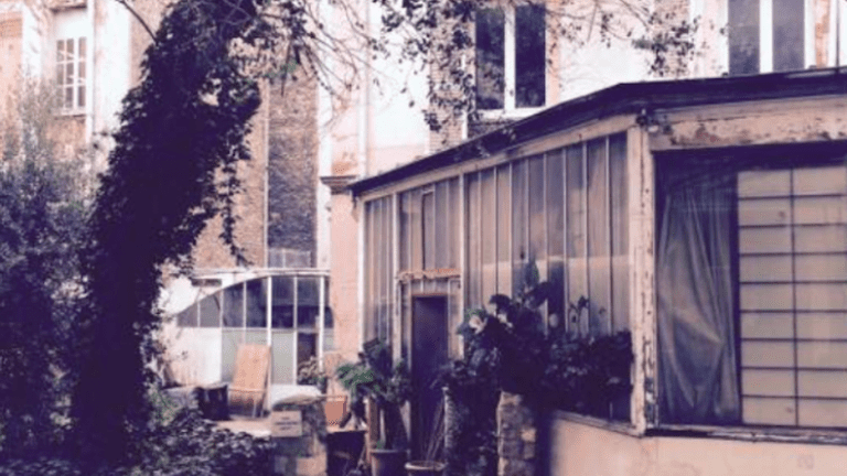 Hidden Passage, 25 rue Laval