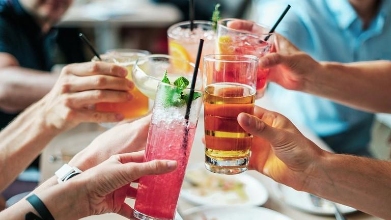 https://pixabay.com/en/drinks-alcohol-cocktails-alcoholic-2578446/
