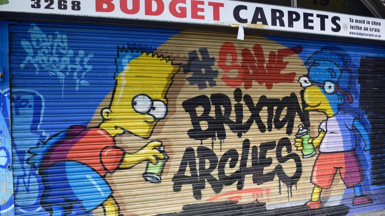 Graffiti featuring The Simpsons characters Bart and Milhouse