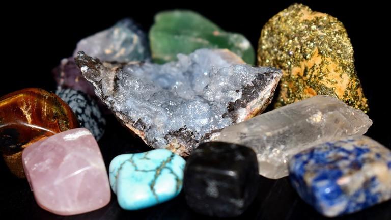 collection-jewellery-stones-turquoise-amethyst-mine-620159-pxhere.com