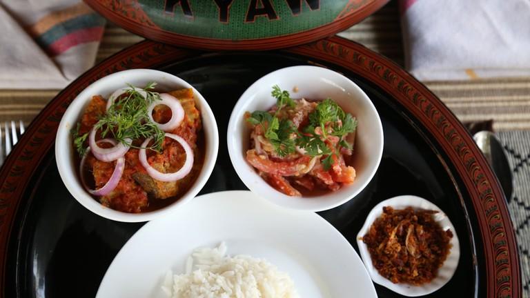 Kyaw-Kitchen-Catfish-Curry-in-Lacquerware-Set
