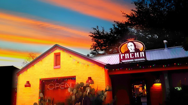 Pacha Organic Café offers various breakfast dishes