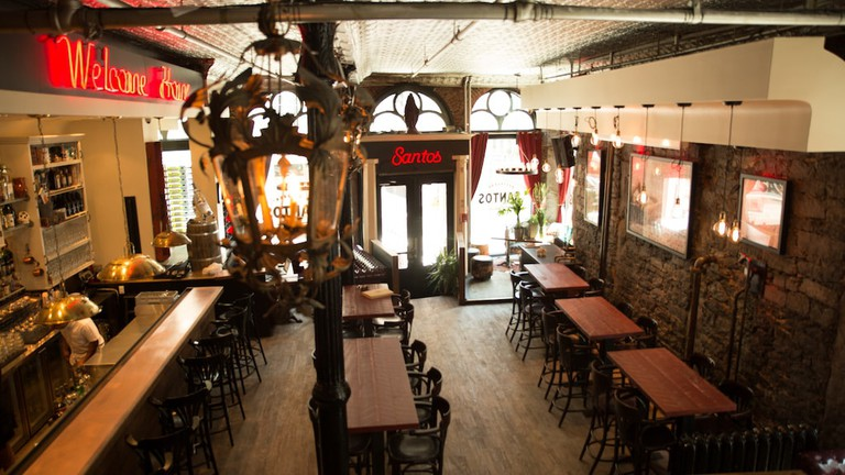 The 10 Best Bars In Old Montreal, Quebec