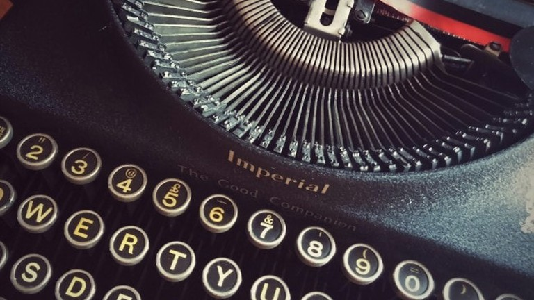 typewriter-650x474