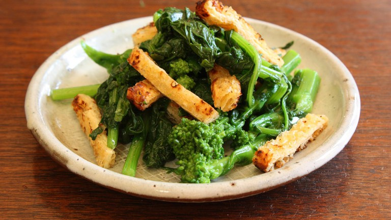 Tofu and brocoli salad