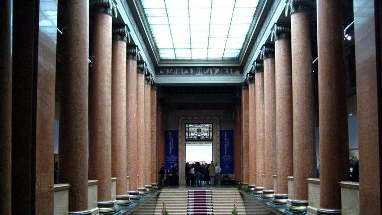 1280px-Pushkin_museum_interior05_by_shakko