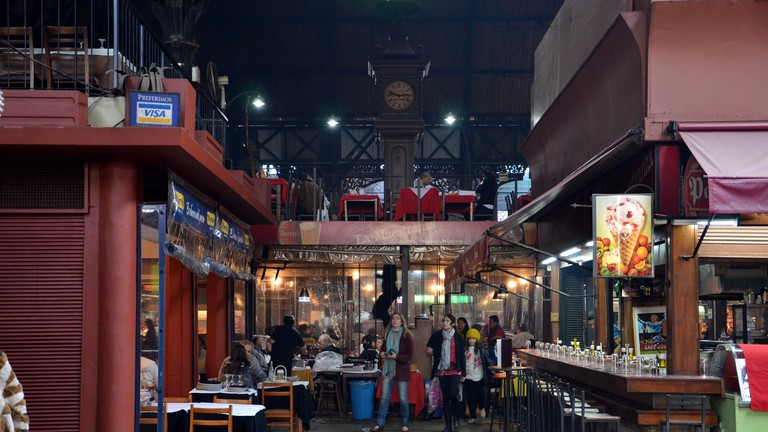 Mercado del Puerto is pure steel