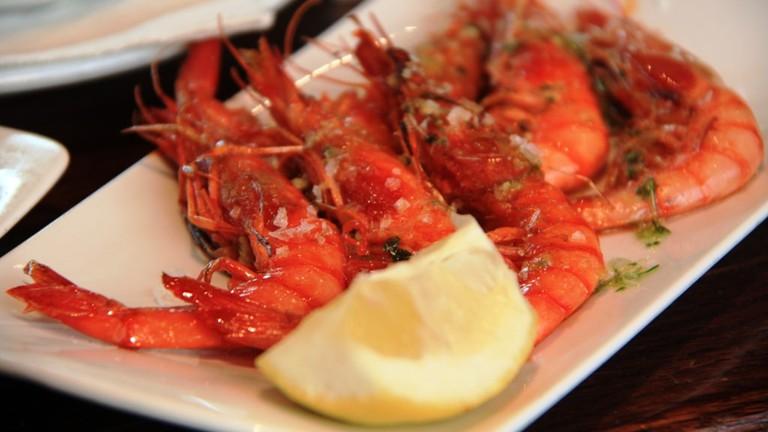 Grilled red prawns at the Cercería Catalana © Javier Lastras