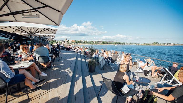 Finland_Helsinki_restaurant_Löyly_people_web_by_JuliaKivela__MG_3931