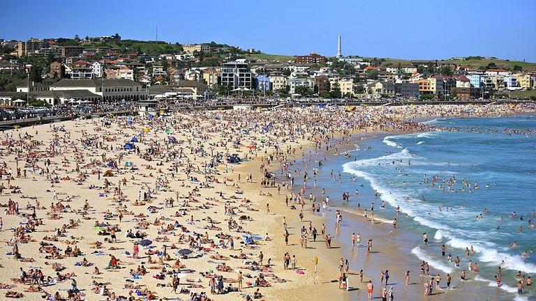 Bondi Beach © Alex Proimos / Wikimedia Commons