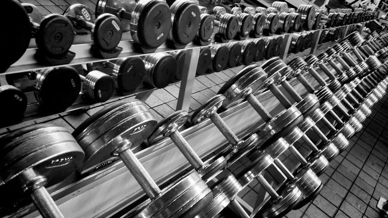 Weights © Gabriel Porras / Flickr