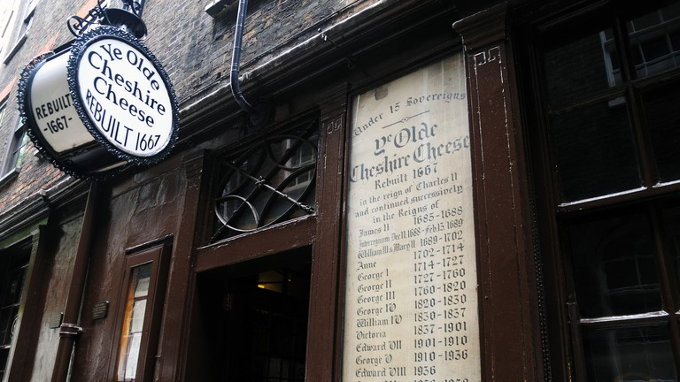 Ye Olde Cheshire Cheese Pub, Fleet Street, London.