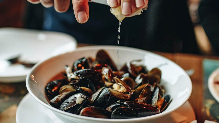 Mussels and lemon © Marco Verch / Flickr