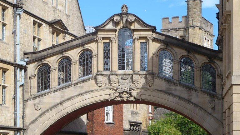 Top Bars And Pubs In Historic Oxford, England