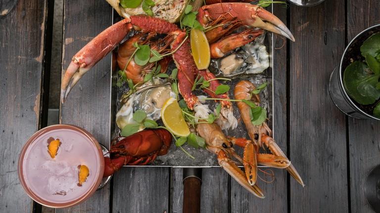Seafood in an Island? | © Maxim Krayushkin/Flickr