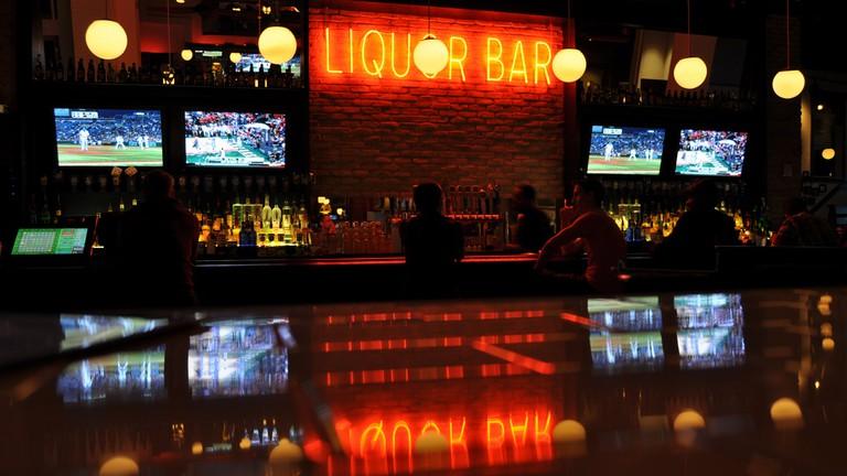 Liquor Bar in Kansas City |© Ian T. McFarland/Flickr