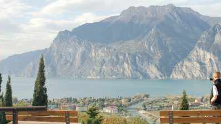 activities in bardolino lake