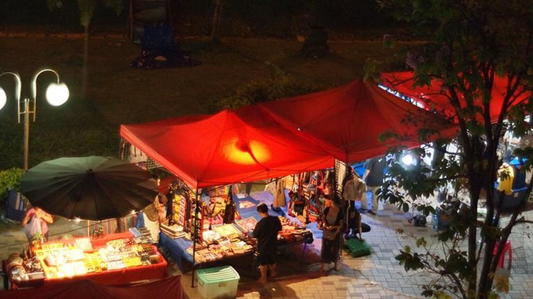 Night Market, Vientiane © William/Flickr