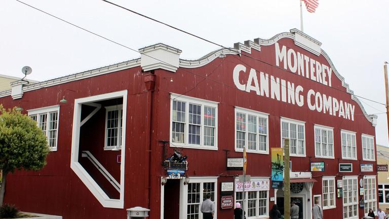 The Best Bars In Monterey California