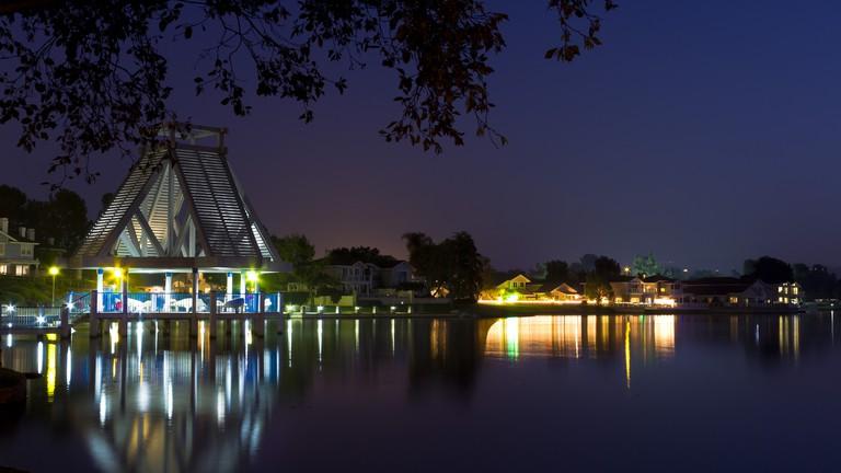 North Lake, Irvine, CA   © David Sutoyo/Flickr